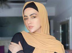Sana Khan Hijrah, Pamit dari Bollywood dan Berdoa Taubatnya Diterima