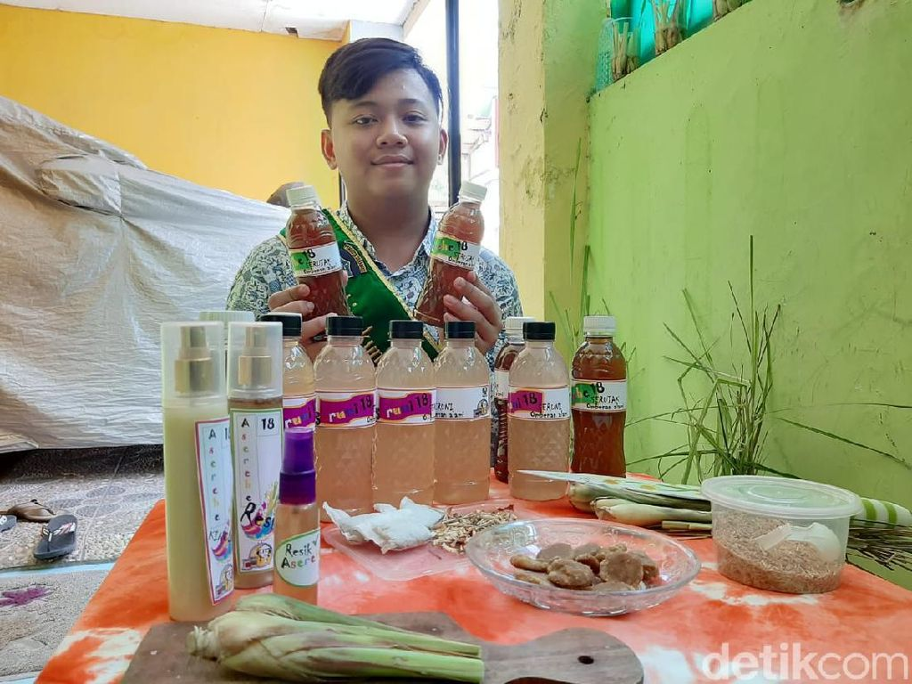 Keren, Pelajar SMP di Surabaya Ini Olah Serai Jadi Berbagai Produk Berkhasiat