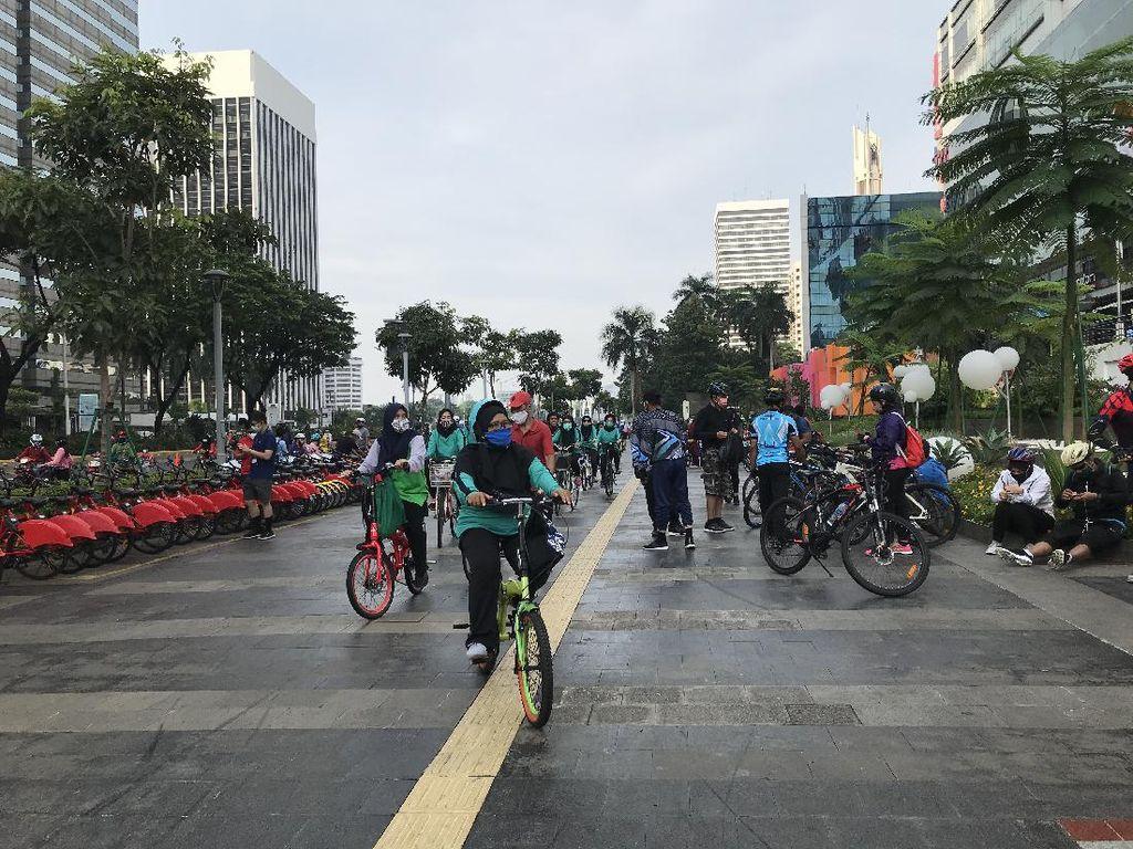 PSBB Ketat DKI Berakhir Hari Ini, Aktivitas Olahraga Masih Ramai di Sudirman