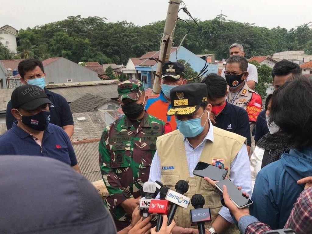 Wagub DKI Tinjau Lokasi Banjir-Longsor di Ciganjur Jaksel