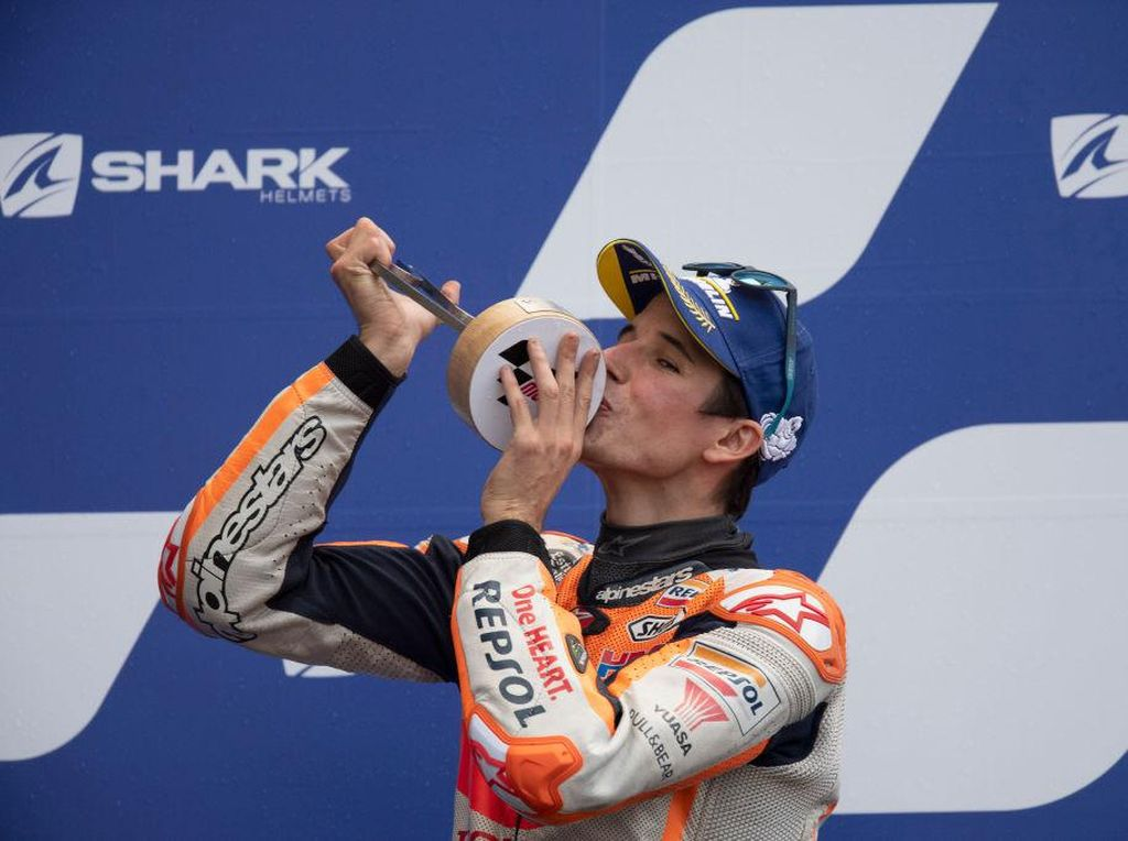 Video Podium Repsol Honda Lewat Marquez, Bukan Marc tapi Alex