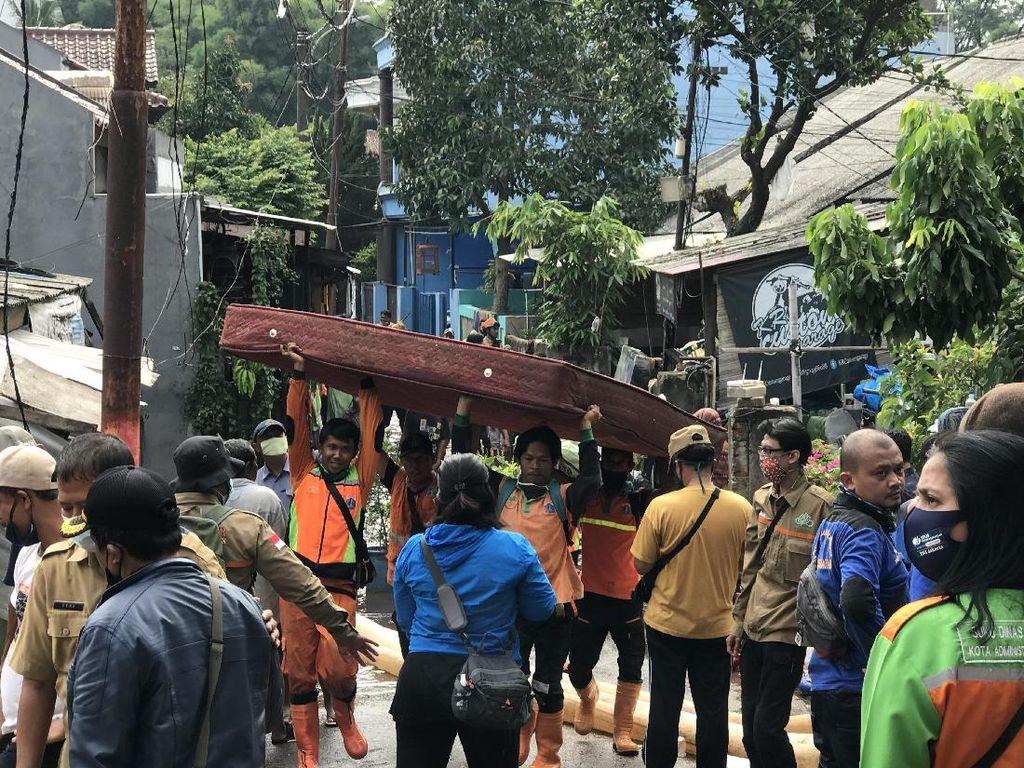 Sudah 2 Hari, Banjir Masih Rendam Permukiman di Ciganjur Imbas Longsor