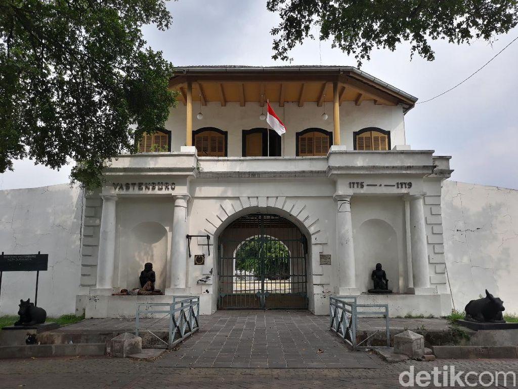 Tentang Benteng Vastenburg, Kamp Tentara yang Jadi Milik Robby Sumampow