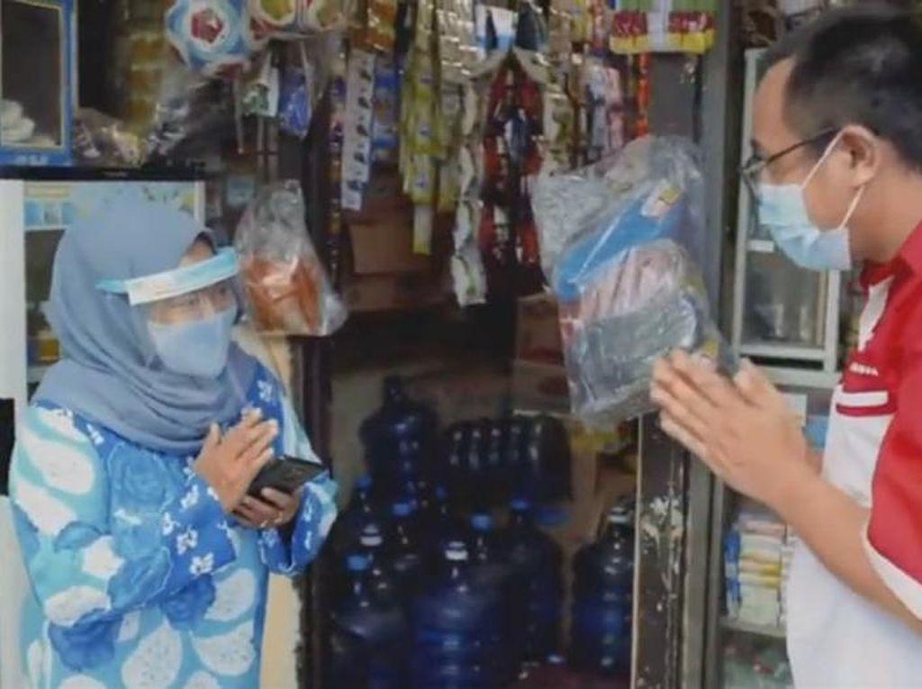 Intip Rahasia Ibu Neneng Agar Tetap Dapat Berjualan di Masa Pandemi