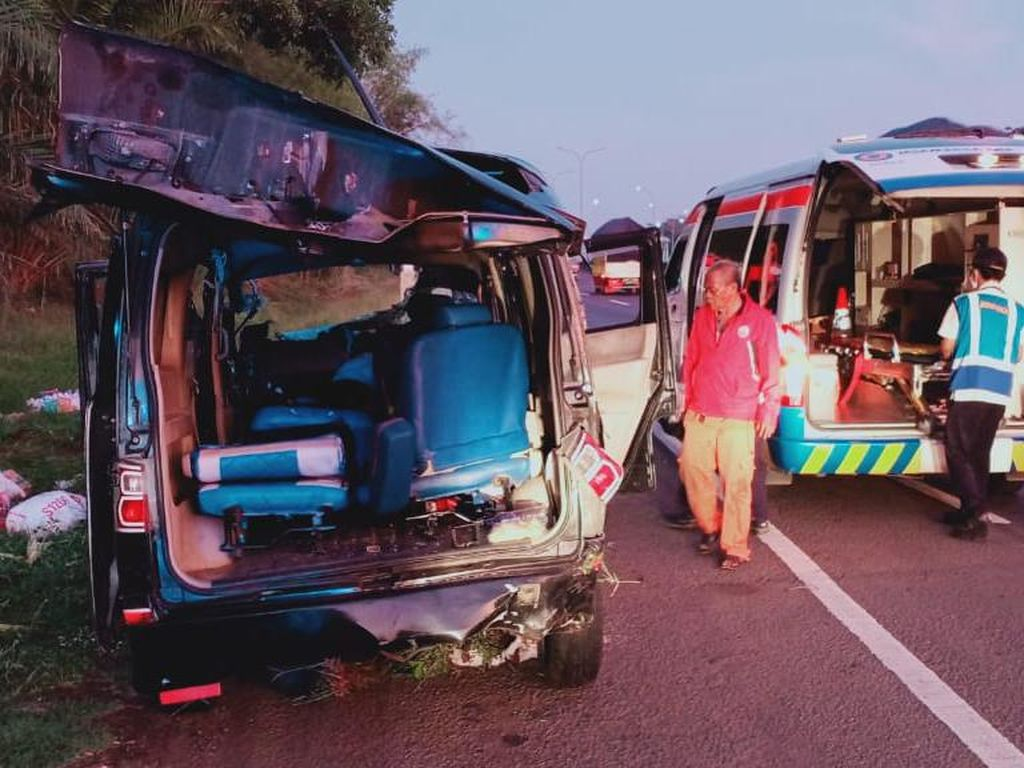 Sopir Mengantuk, Penyebab Kecelakaan Maut di Km 70 Tol Cikampek