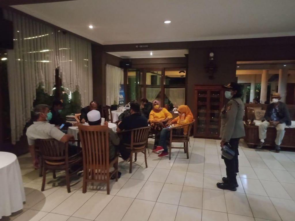 Mengundang Banyak Massa, Kegiatan di Hotel Lembang Dibubarkan Paksa