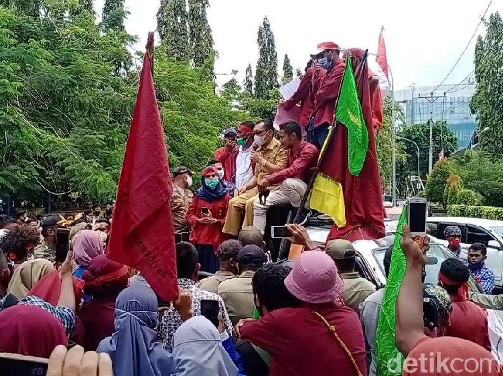 Mahasiswa Ambon Kembali Demo Tolak Omnibus Law, Wagub Janji Teruskan Aspirasi