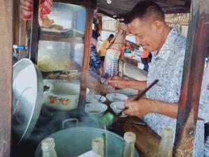 Nasi Goreng Tanpa Nasi hingga Mie Ayam Rp 3.000 Laris Manis