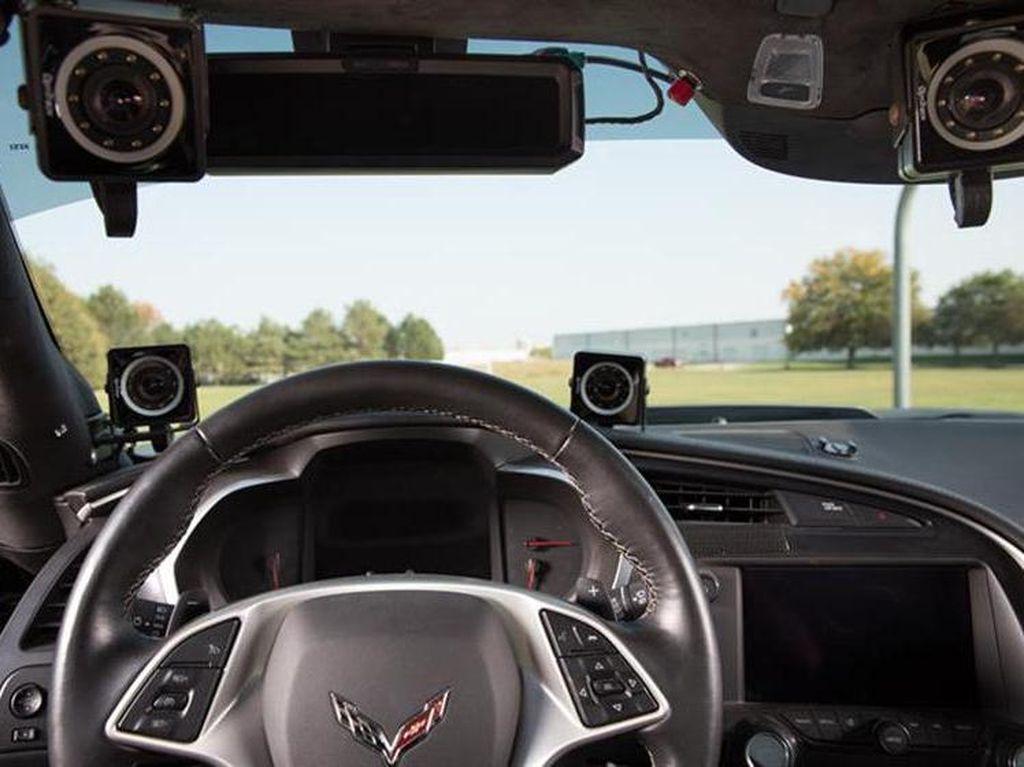 Mobil Sport Pakai Sensor Wajah, Pebalap Lumpuh Bisa Balapan Lagi