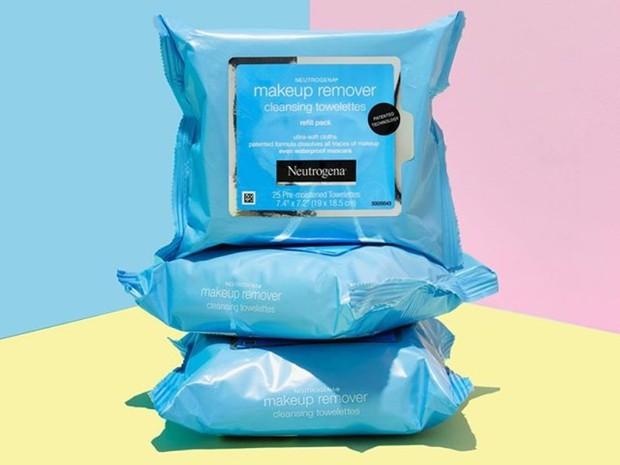 Neutrogena Makeup Remover Cleansing Towelettes merupakan salah satu produk skincare dan makeup murah yang dipakai Ariana Grande