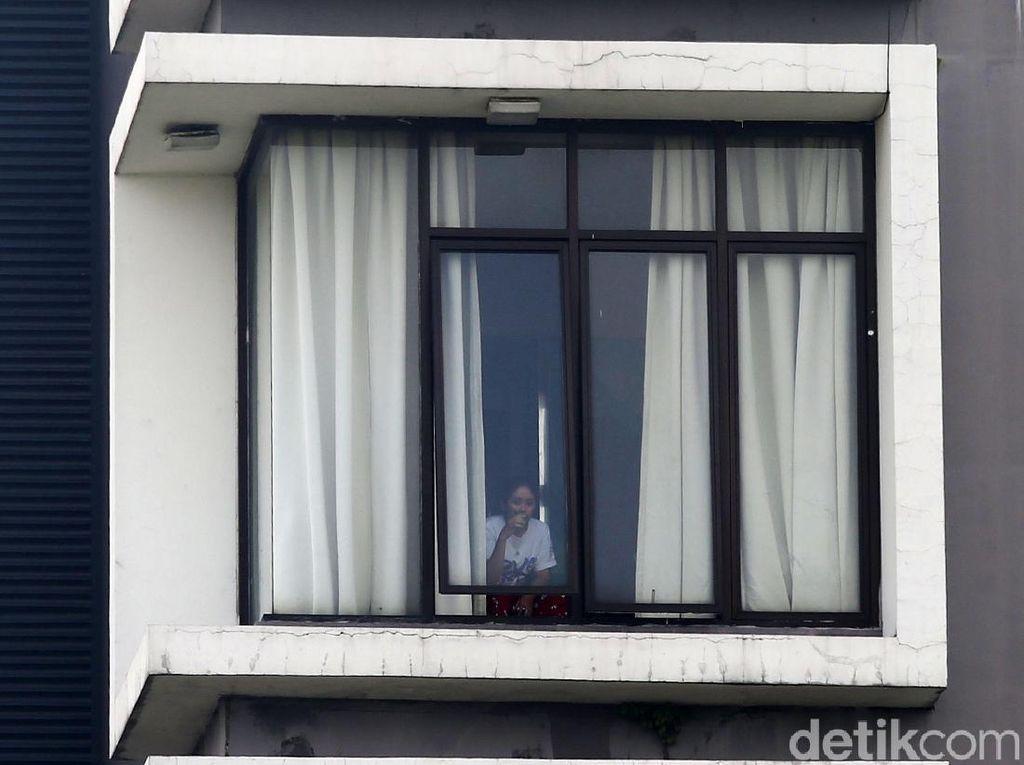 BNPB Setop Dana Hotel Isolasi, 2 Sekolah DKI Mulai Tampung Nakes