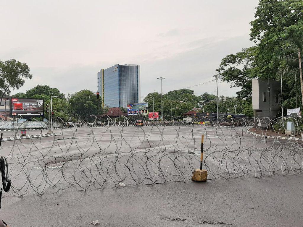 Bakal Ada Aksi Tolak Omnibus Law, Lalin Depan DPRD Sumsel Ditutup