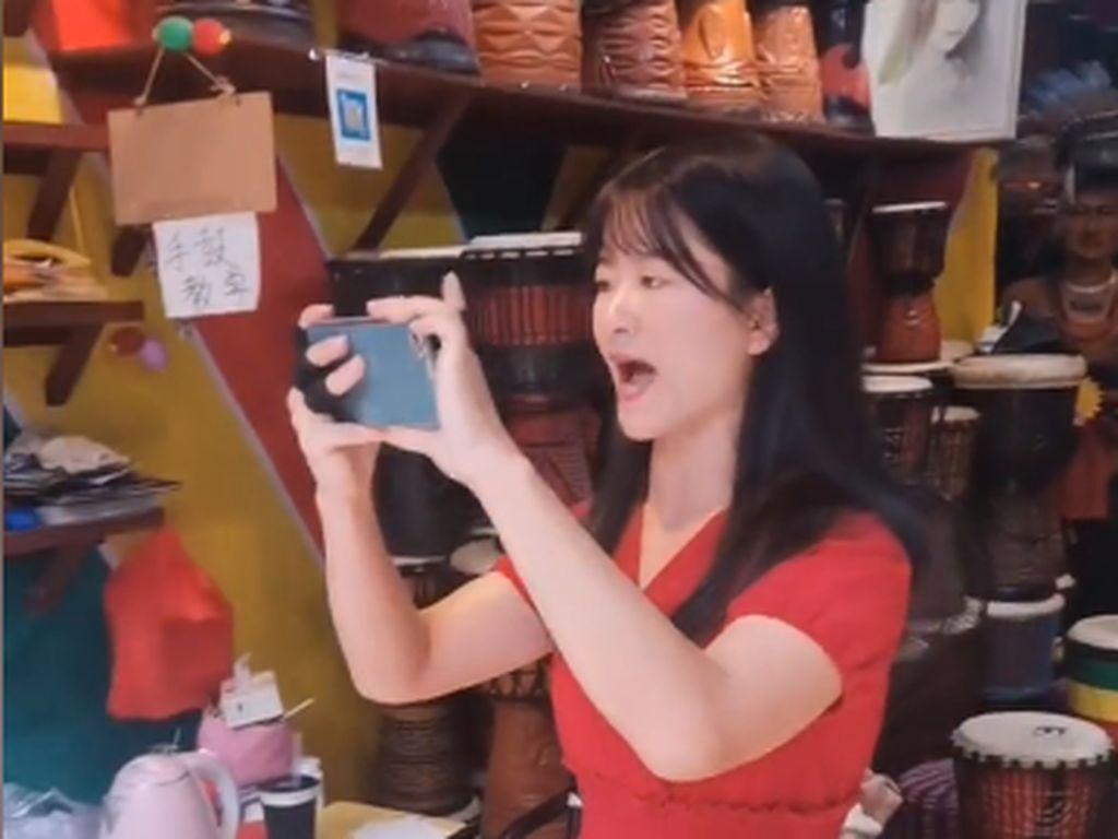 Viral Video Penjaga Toko Permalukan Turis Karena Tidak Beli, Dibilang Miskin