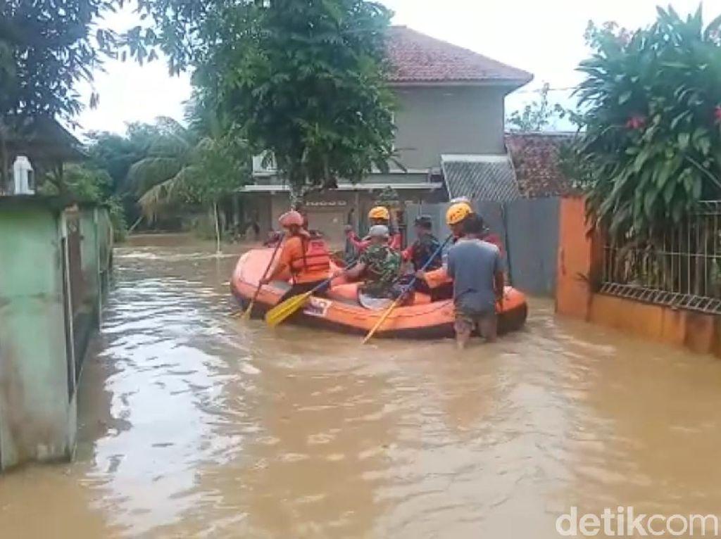 Puncak La Nina Terjadi Akhir Tahun, 12 Daerah di Jabar Rawan Banjir dan Longsor