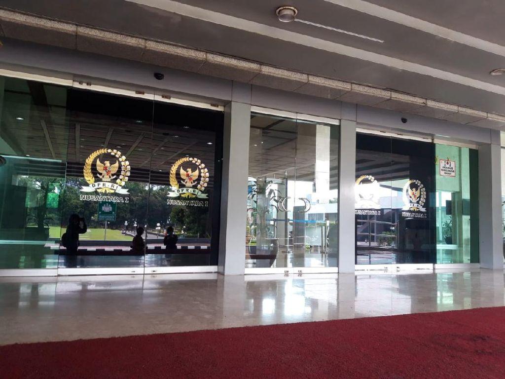 Suasana Lockdown Gedung Nusantara I DPR Usai 18 Dewan Positif Corona