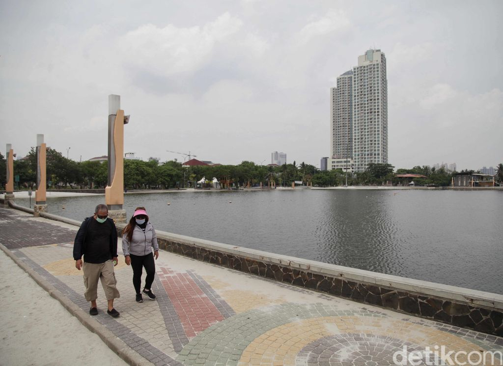 The DKI Jakarta Provincial Government has re-established the Transitional PSBB.  Ancol has also opened again to welcome tourists.