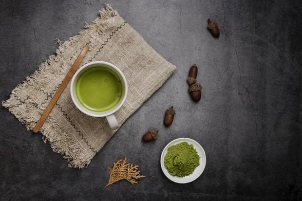 Teh hijau dapat bantu redakan sakit perut.