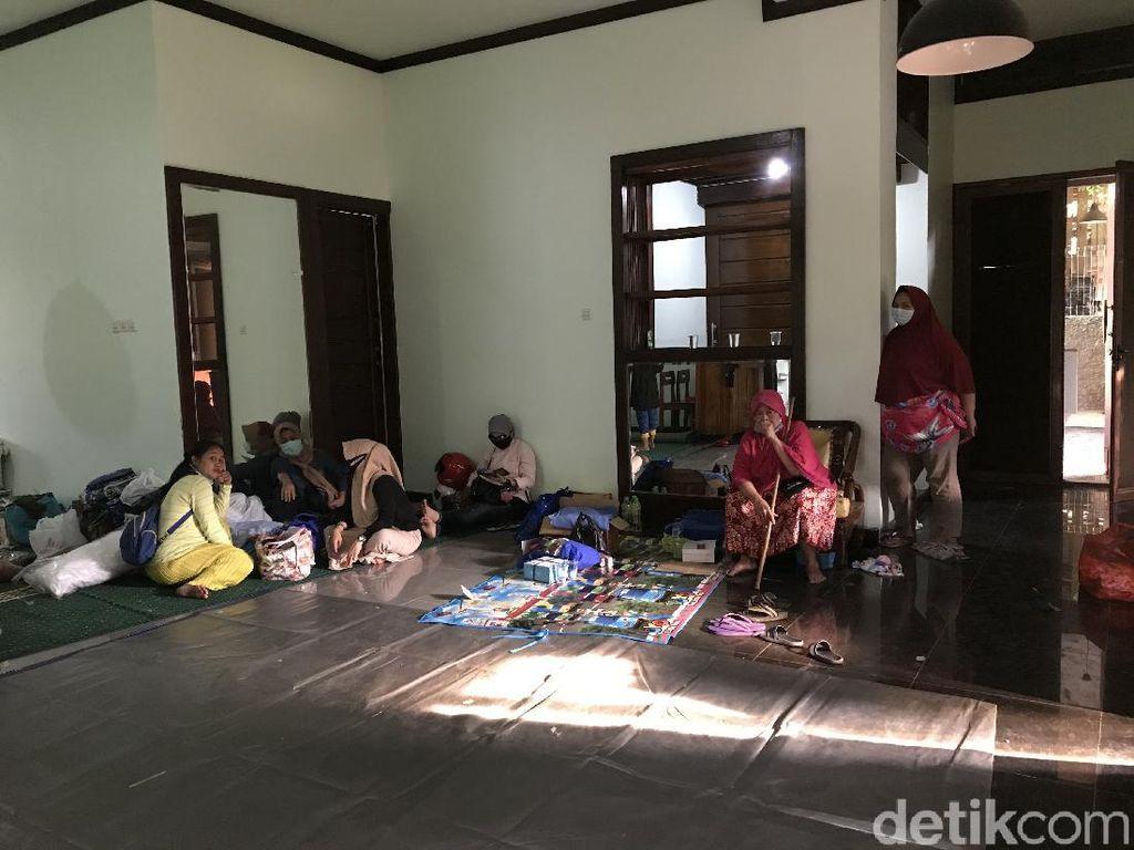 300 Warga Terdampak Banjir-Longsor Ciganjur, 169 Orang Ngungsi