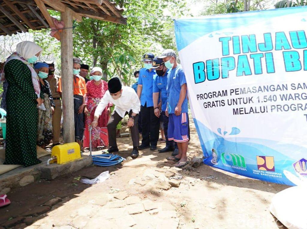 Ribuan Warga Banyuwangi Nikmati Hibah Air Bersih