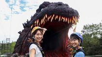 Melihat Wahana Godzilla Raksasa di Jepang
