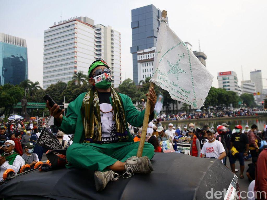 Potret Terkini Demo Omnibus Law PA 212 dkk di Patung Kuda