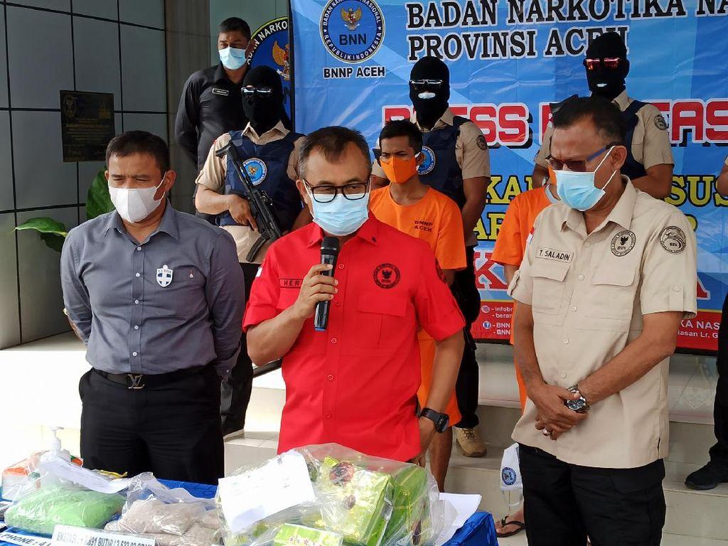 BNN Aceh Tangkap 2 Pengedar Narkoba, 8 Kg Sabu dan 10 Ribu Ekstasi Disita