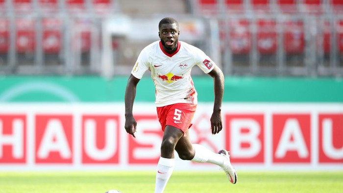 NUREMBERG, GERMANY - SEPTEMBER 12: Dayot Upamecano of Leipzig runs with the ball during the DFB Cup first round match between 1. FC Nürnberg and RB Leipzig at Max-Morlock-Stadion on September 12, 2020 in Nuremberg, Germany. (Photo by Alexander Hassenstein/Getty Images)