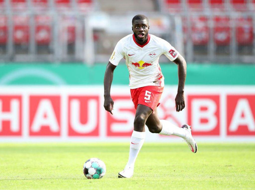 Dayot Upamecano Dulu Dilirik MU & Liverpool, Kini Dibidik Bayern