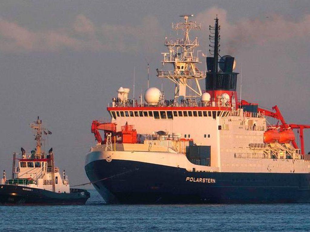 Ilmuwan Bawa Pulang Bukti Penting dari Misi Terbesar Menjelajah Kutub Utara