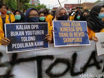 Mahasiswa Magelang Bergerak Tolak Omnibus Law
