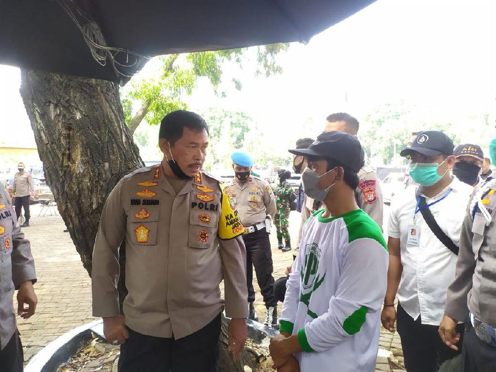 Ditahan, Pemuda Berbaju FPI Bawa Katapel Saat Demo Omnibus Law