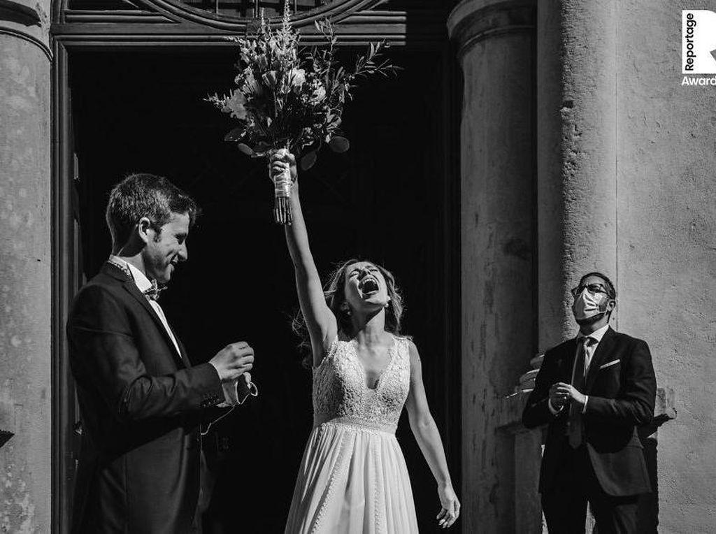 10 Foto Pernikahan Terbaik Saat Pandemi Virus Corona