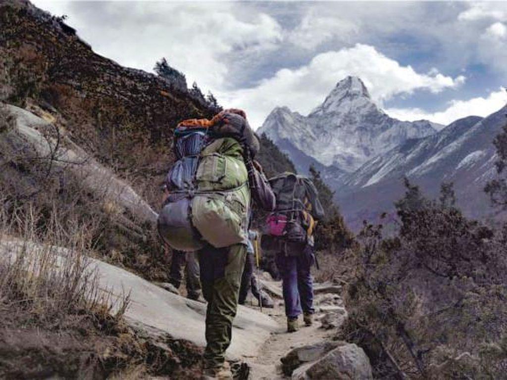Porter Asing Pertama Gunung Everest