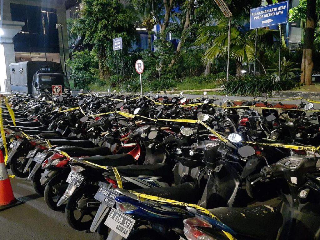 69 Motor Perusuh di Kawasan Patung Kuda Jakpus Diangkut Polisi