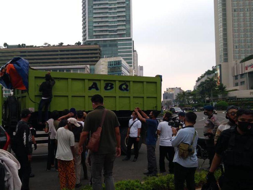Hadang Truk di Jaktim, Ratusan Remaja Hendak ke Monas Diciduk di HI