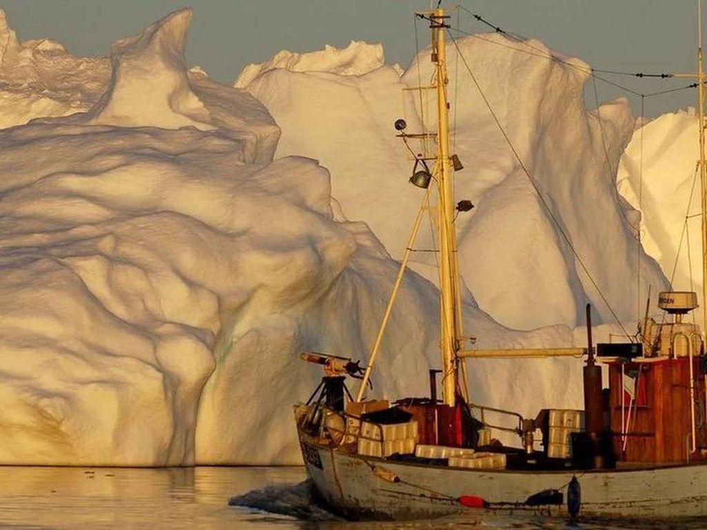 Para Ilmuwan Berencana Selamatkan Es Kutub Utara dengan Butiran Kaca