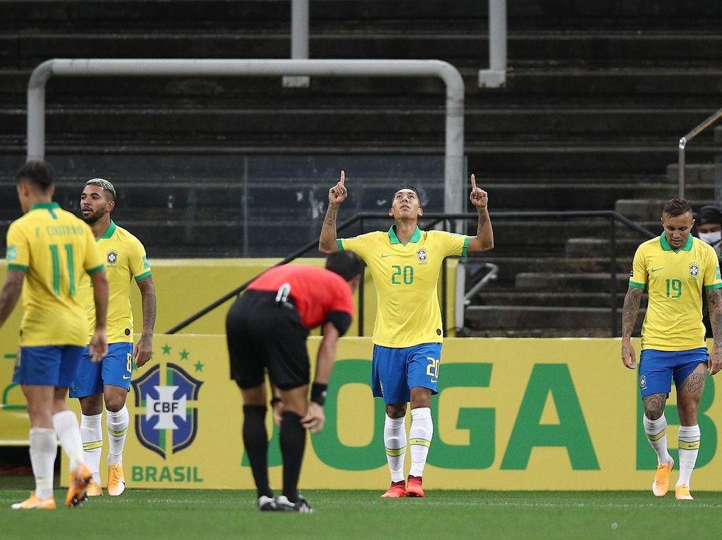 Lebih Nyaman di Liverpool atau Brasil, Firmino?