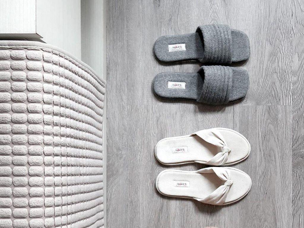5 Sandal Slipper dari Brand Lokal yang Stylish & Nyaman Dipakai dalam Rumah