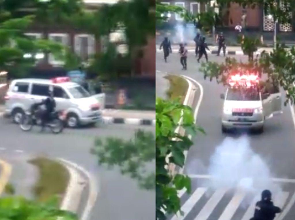 Teka-teki Ambulans Diduga Pemasok Batu Coba Tabrak Polisi