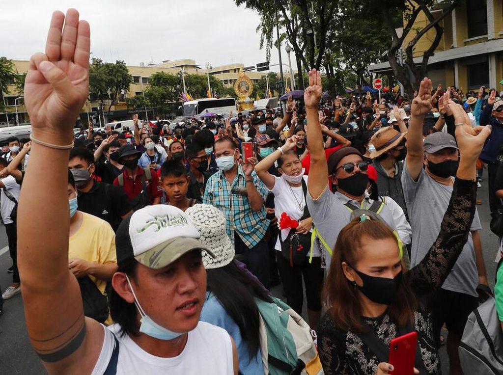 Thailand Umumkan Dekrit Darurat, Para Pemimpin Demo Ditangkap