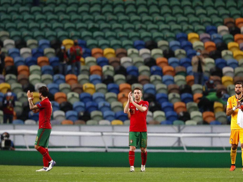CR7 Positif Corona: Selain MU, Tiga Klub Inggris Juga Kena Imbas
