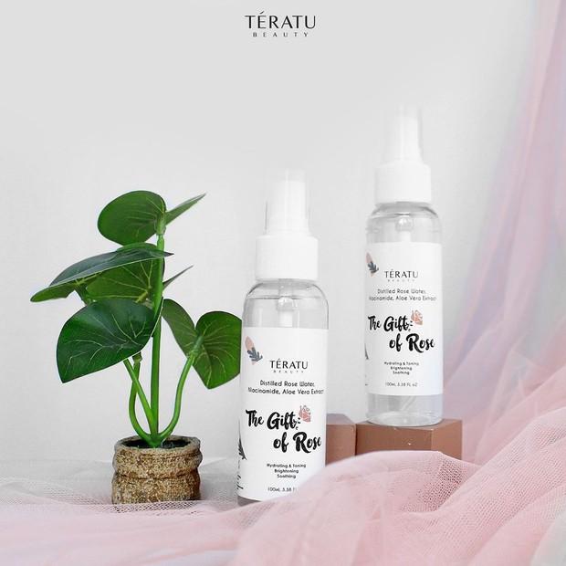 Teratu beauty rose water.