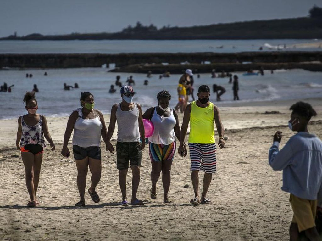 Perlahan, Kuba Sambut Wisatawan Internasional Kembali