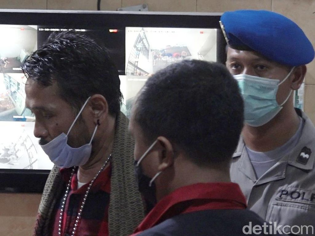 Cerita Getir Aktivis Antimasker Banyuwangi Berujung Pakai Masker Sebelum Ditahan