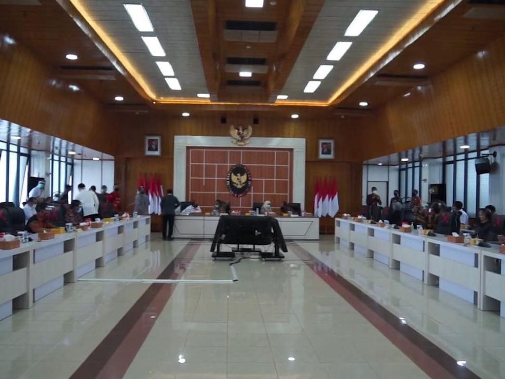 Bahas BLBI, Menteri-menteri Jokowi Kumpul di Kemenko Polhukam