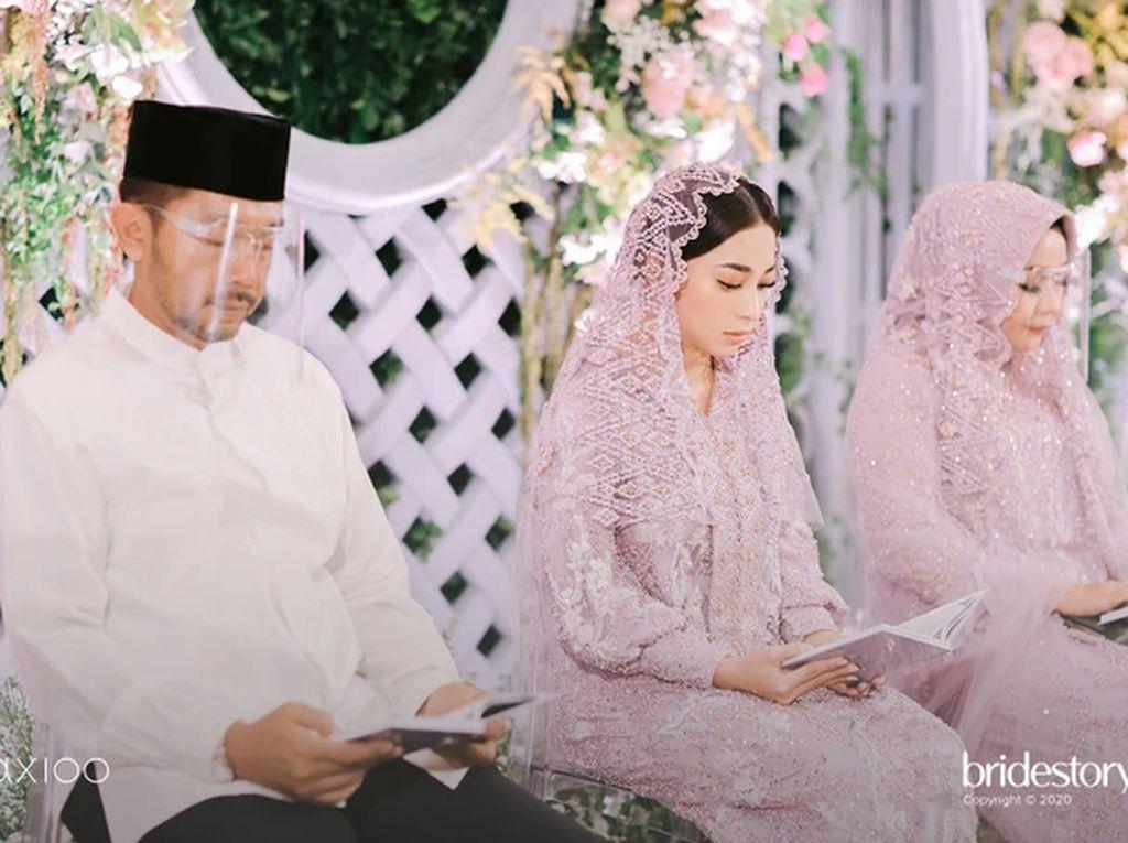 Cantiknya Nikita Willy Pakai Kebaya di Pengajian Jelang Pernikahan