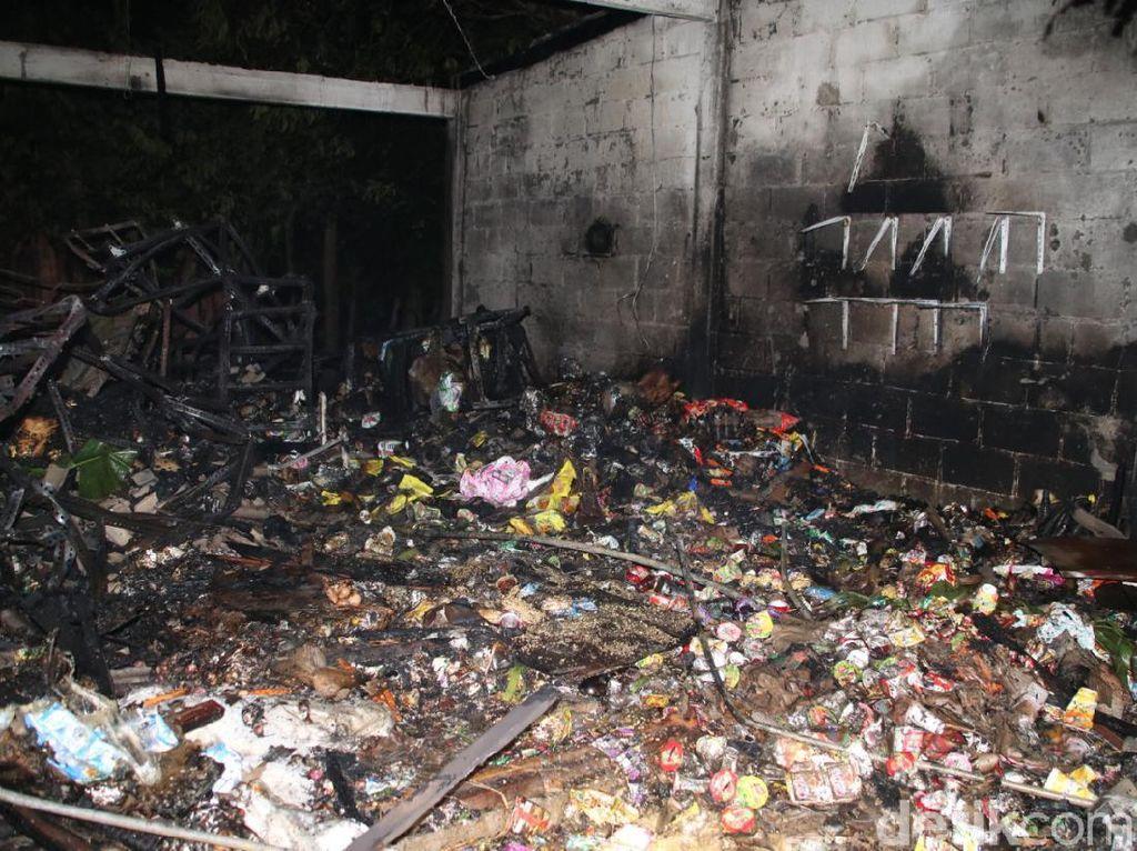 1 Ruko Sembako di Pasar Pelem Blora Kebakaran