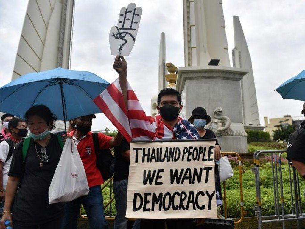 Ribuan Orang Berkumpul di Bangkok untuk Ikut Demo Pro-Demokrasi Terbaru