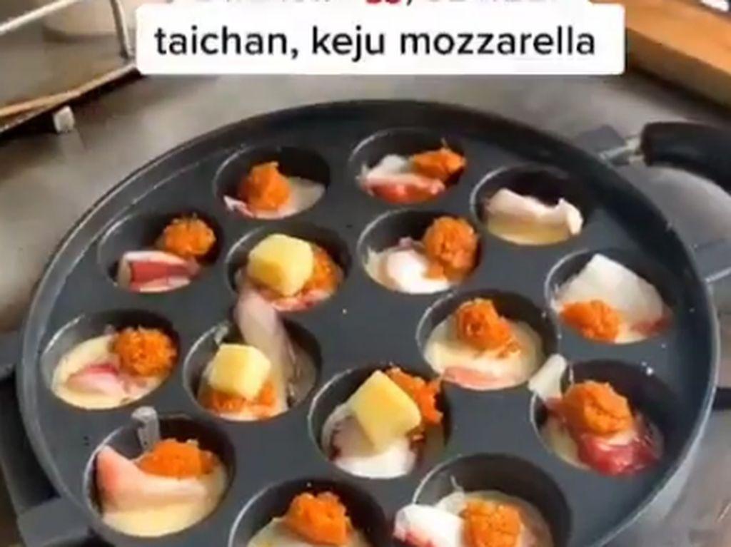 Unik! Ada Takoyaki Isi Sambal Taichan di Bandung