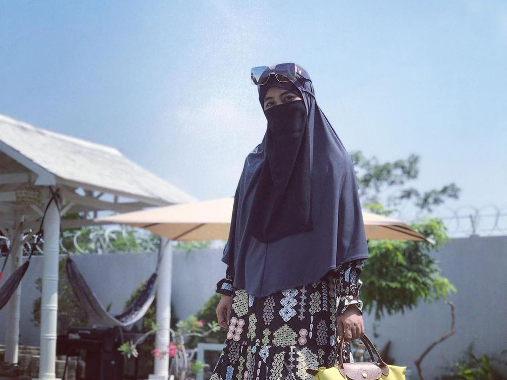 Ogah Bahas Poligami, Umi Pipik Cuma Mau Cari Anak dari Istri Kedua Uje